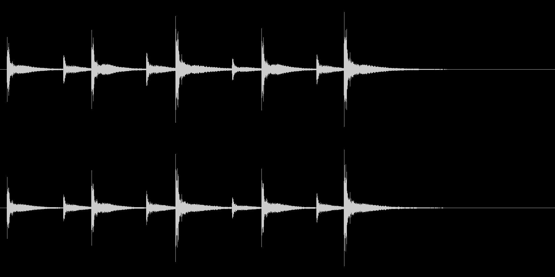 うちわ太皷のリズミカルなフレーズ音+Fxの未再生の波形