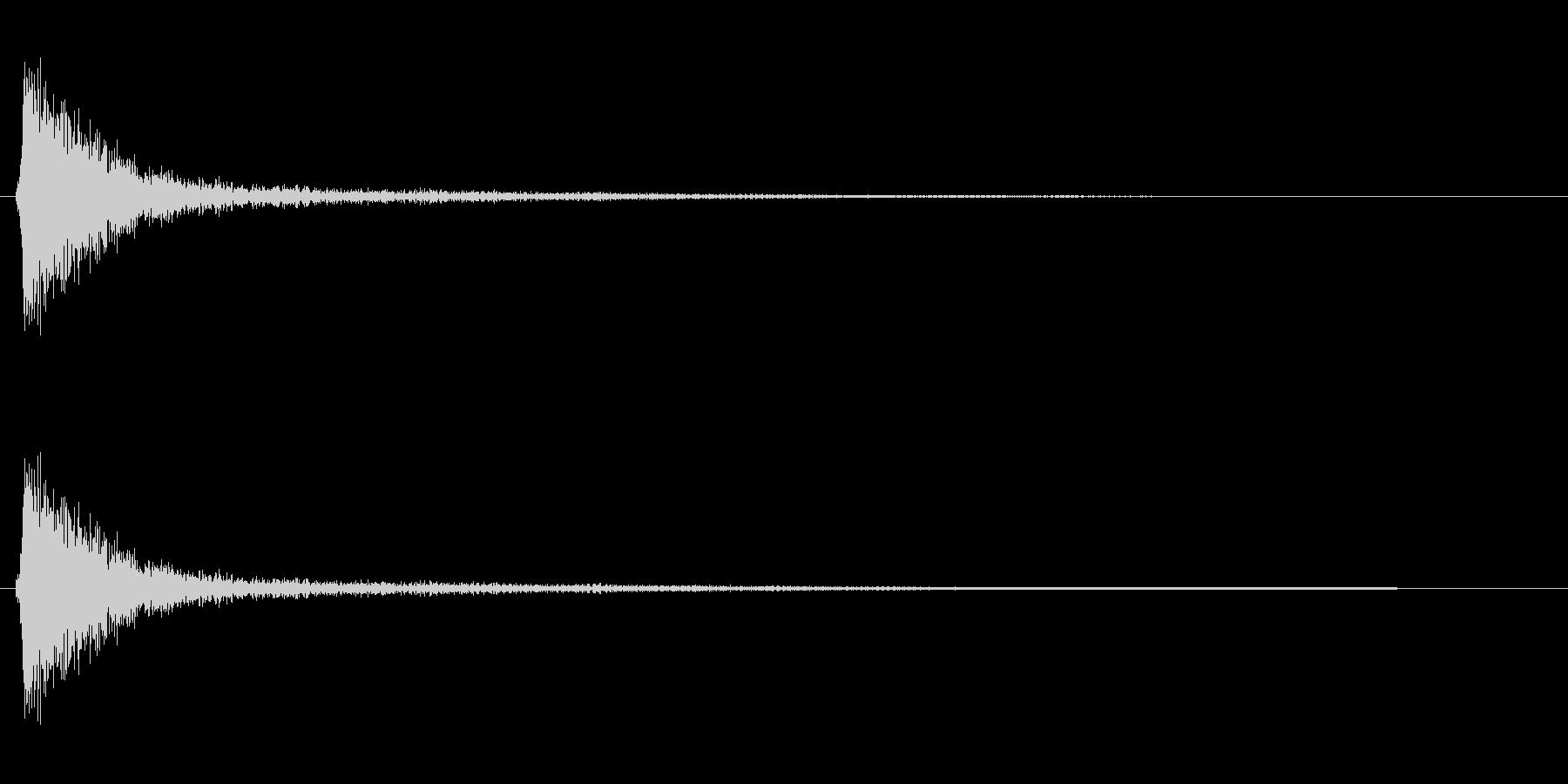 パシッ(軽いビンタの音)の未再生の波形