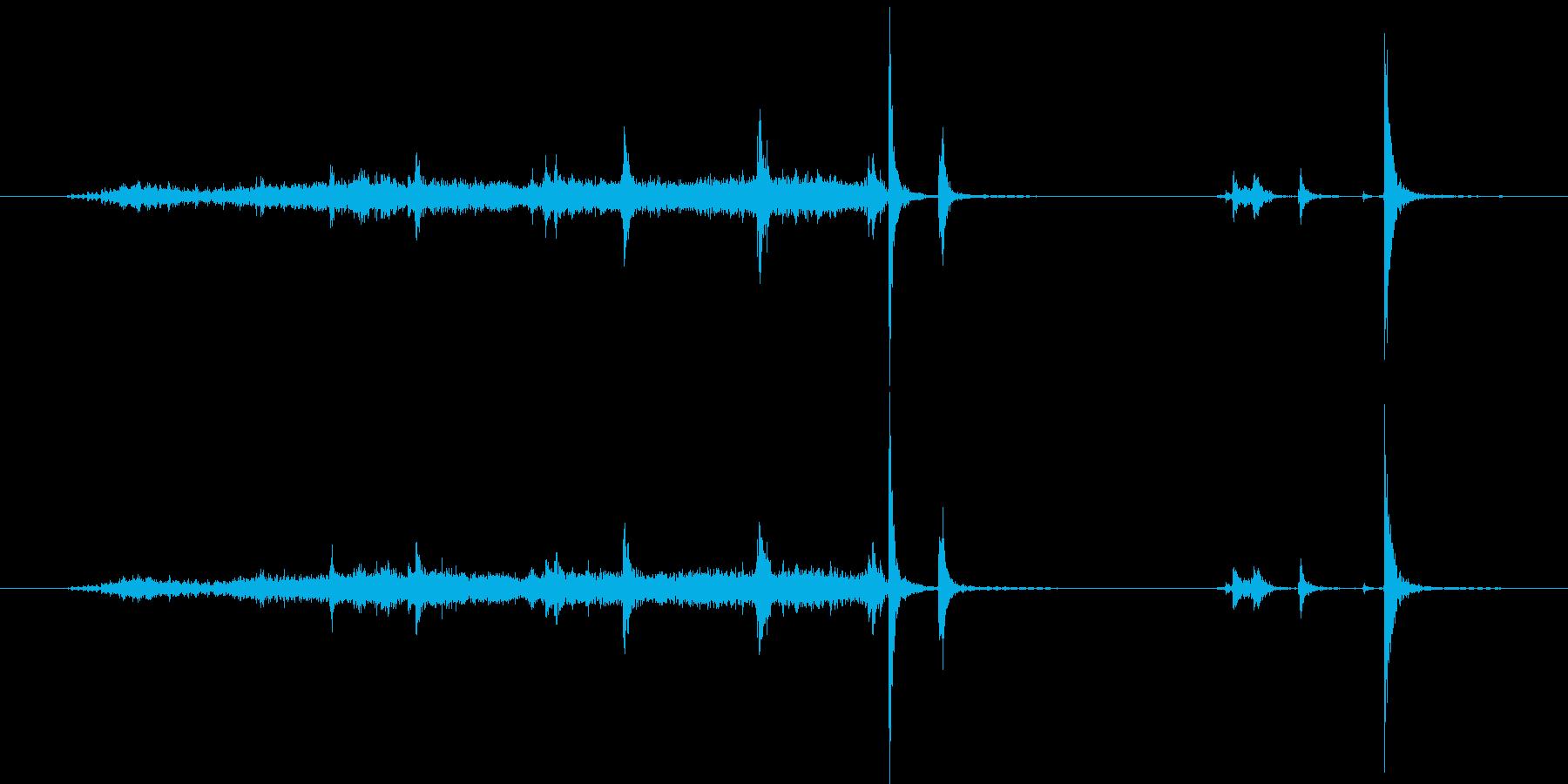 小さなタイルカッター:タイルスナッ...の再生済みの波形