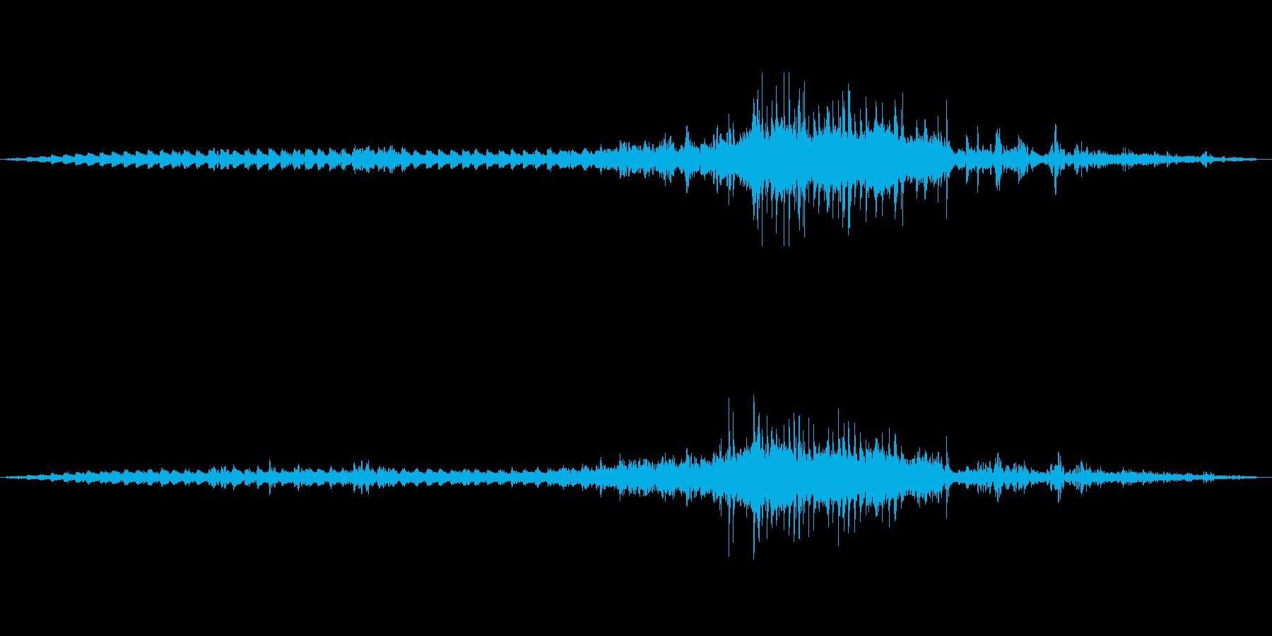 【環境音】踏切の音(川崎大師)の再生済みの波形