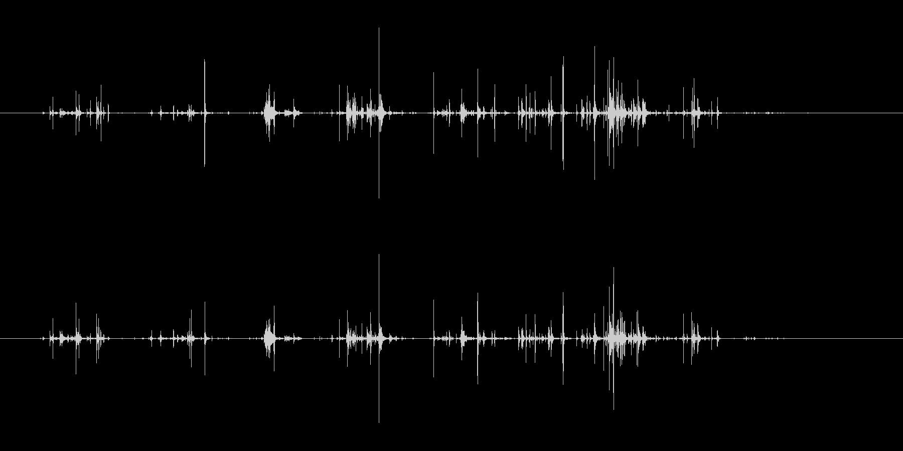 チャポチャポ(水を優しくかき回す音)の未再生の波形