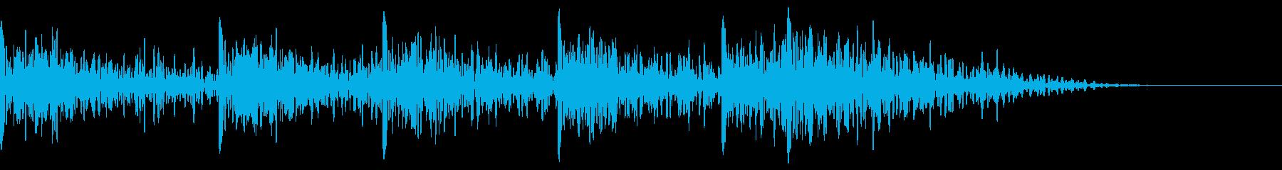 アニメにありそうな背景音(爆発音)の再生済みの波形