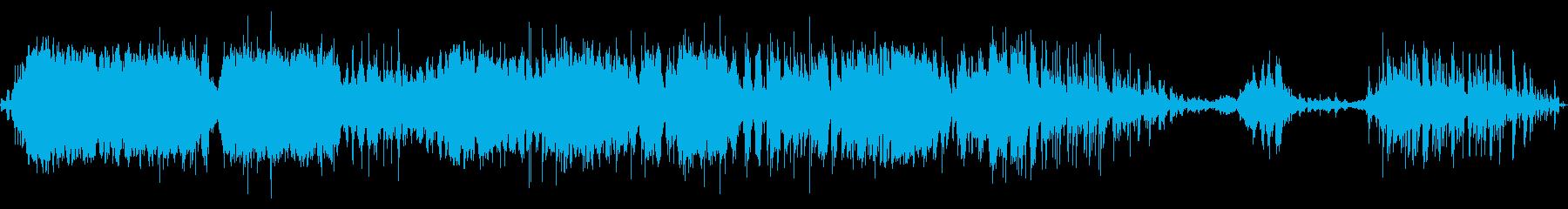 中級スタジオオーディエンス:拍手と...の再生済みの波形