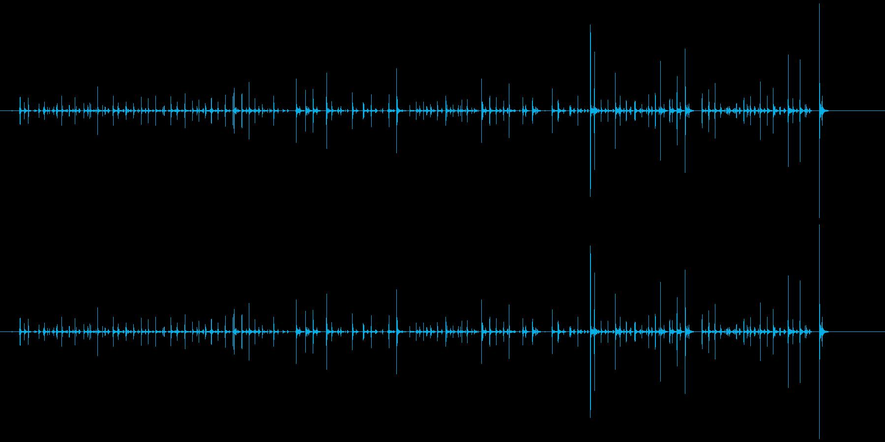 キーボードを叩く音(オフィス環境音)の再生済みの波形