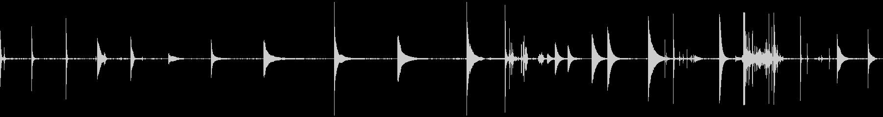 水金属のクランクの下の水の未再生の波形