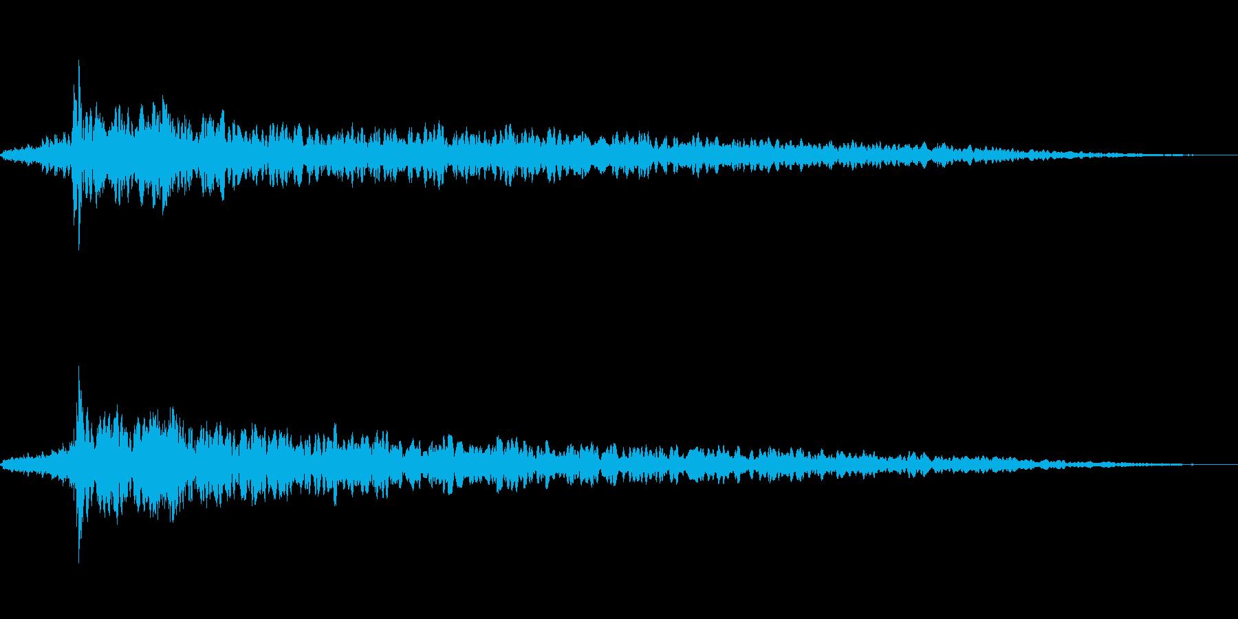 不穏な空気 不気味な環境音の再生済みの波形