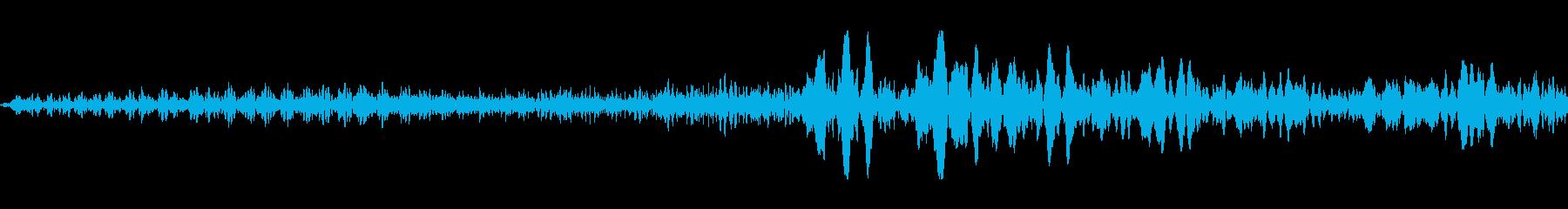 夜の道路の音の再生済みの波形