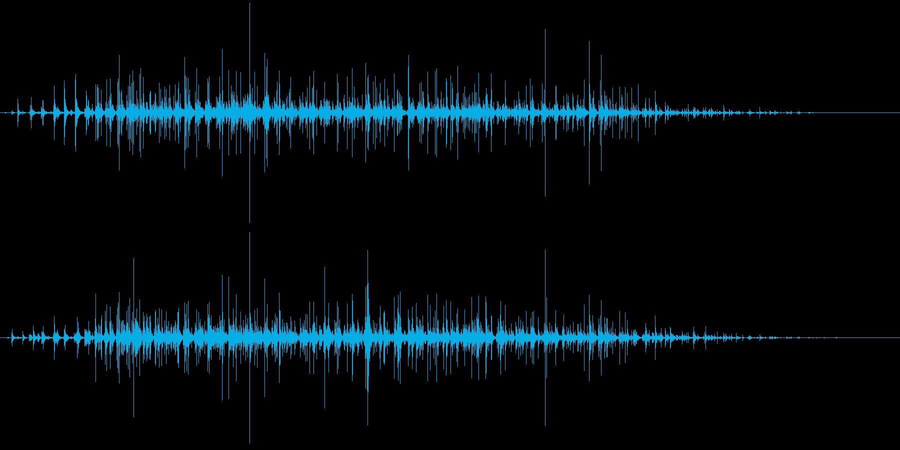 パチパチパチ… 小規模な拍手。の再生済みの波形