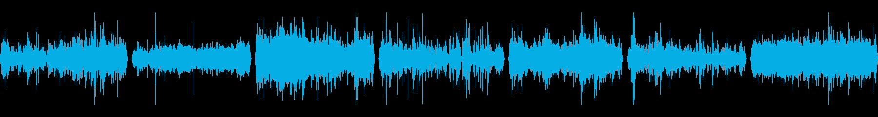 笑い声、HUM OF VOICES...の再生済みの波形