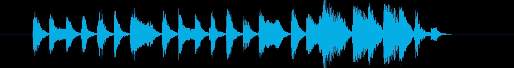 コミカルで軽快なピアノと口ずさめるメロ…の再生済みの波形