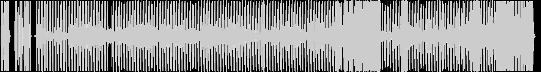 不気味なハウス・テクノ風の未再生の波形