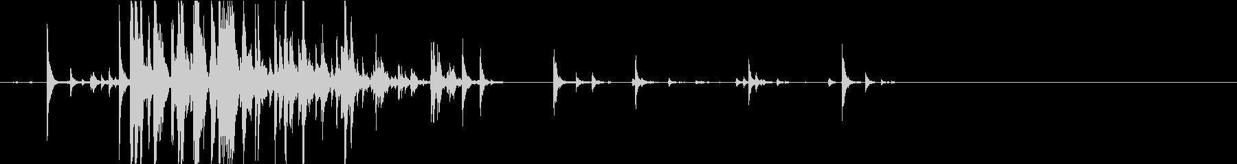 【生録音】瓶の中の錠剤が転がる音の未再生の波形