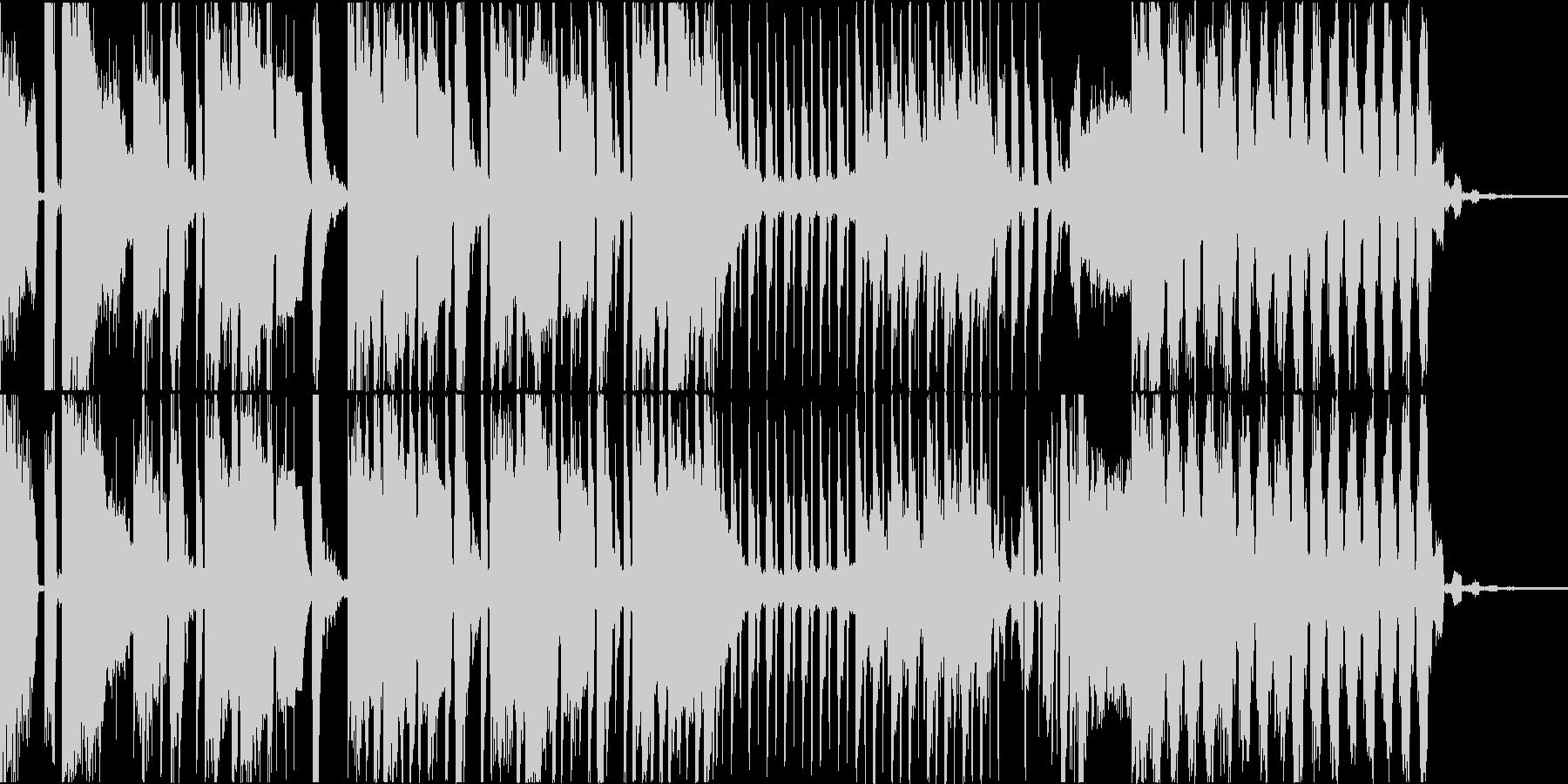 ダークで落ち着いた雰囲気の四つ打ちの未再生の波形