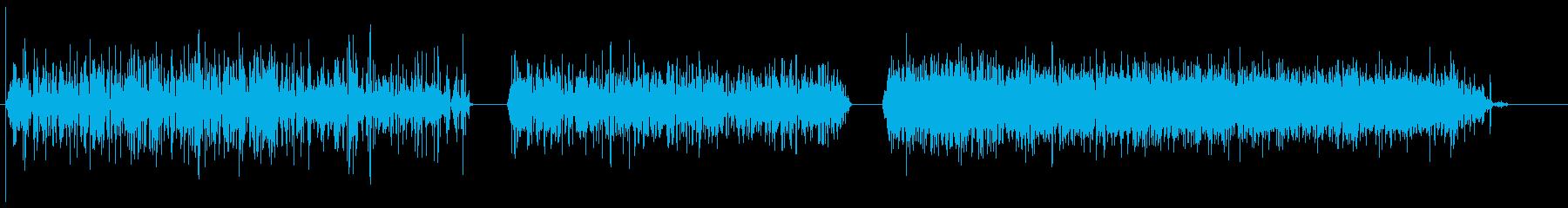 小さく、安定した、速い泡、低中強度...の再生済みの波形
