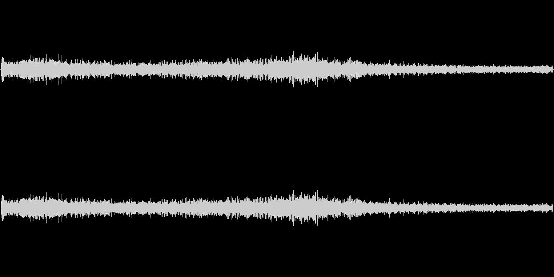 【生音】ゴー、、、ゴー、、という車通過音の未再生の波形
