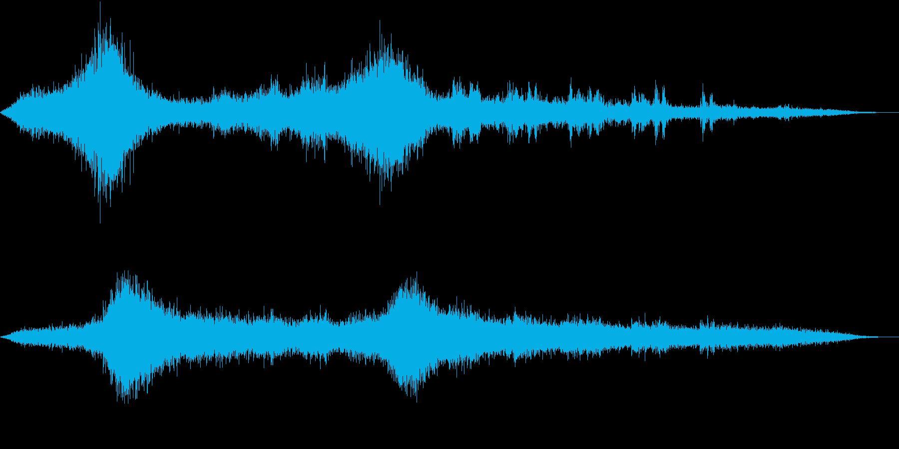 【生録音】車や電車が行き交う高架下の音の再生済みの波形
