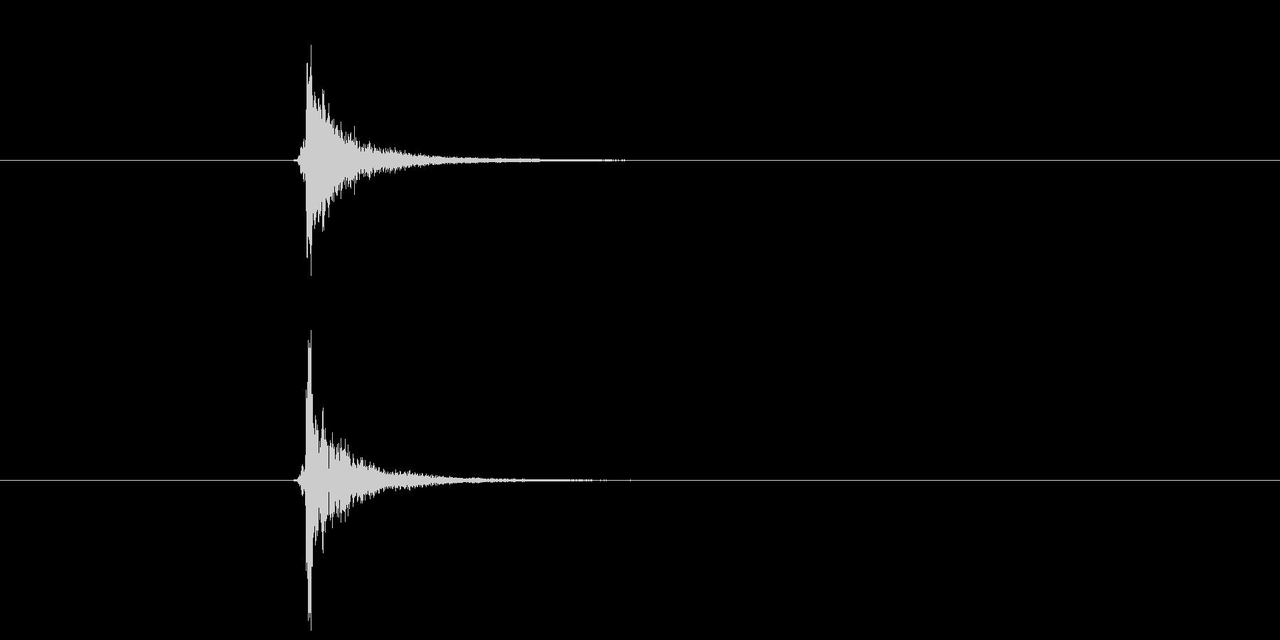 キーン(グラスの音)の未再生の波形