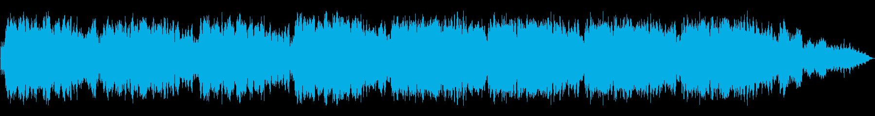 シンセサイザーとケーナの静かな即興音楽の再生済みの波形