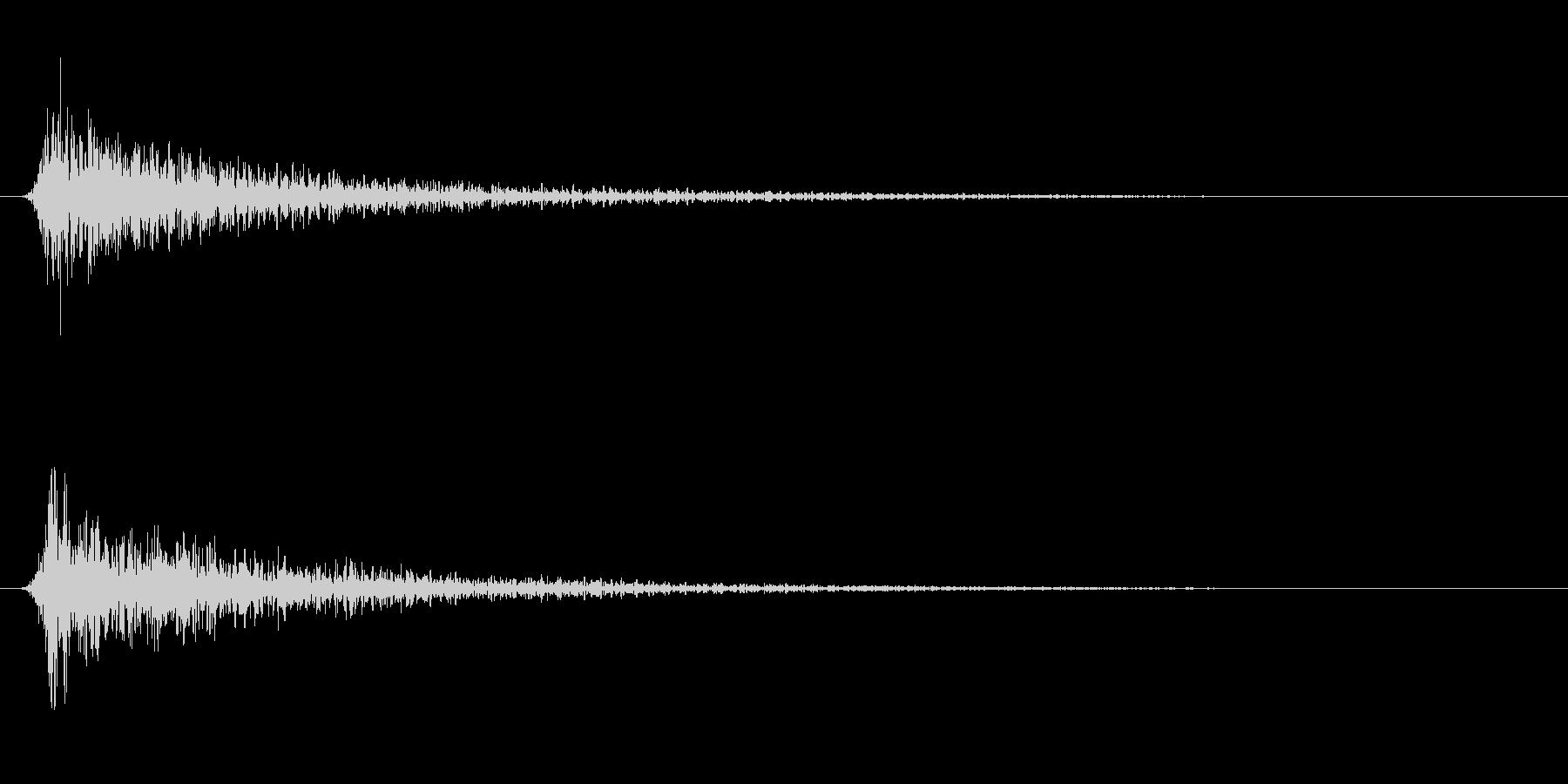 遠い鈍い鈍い怖いショートインパクト1の未再生の波形