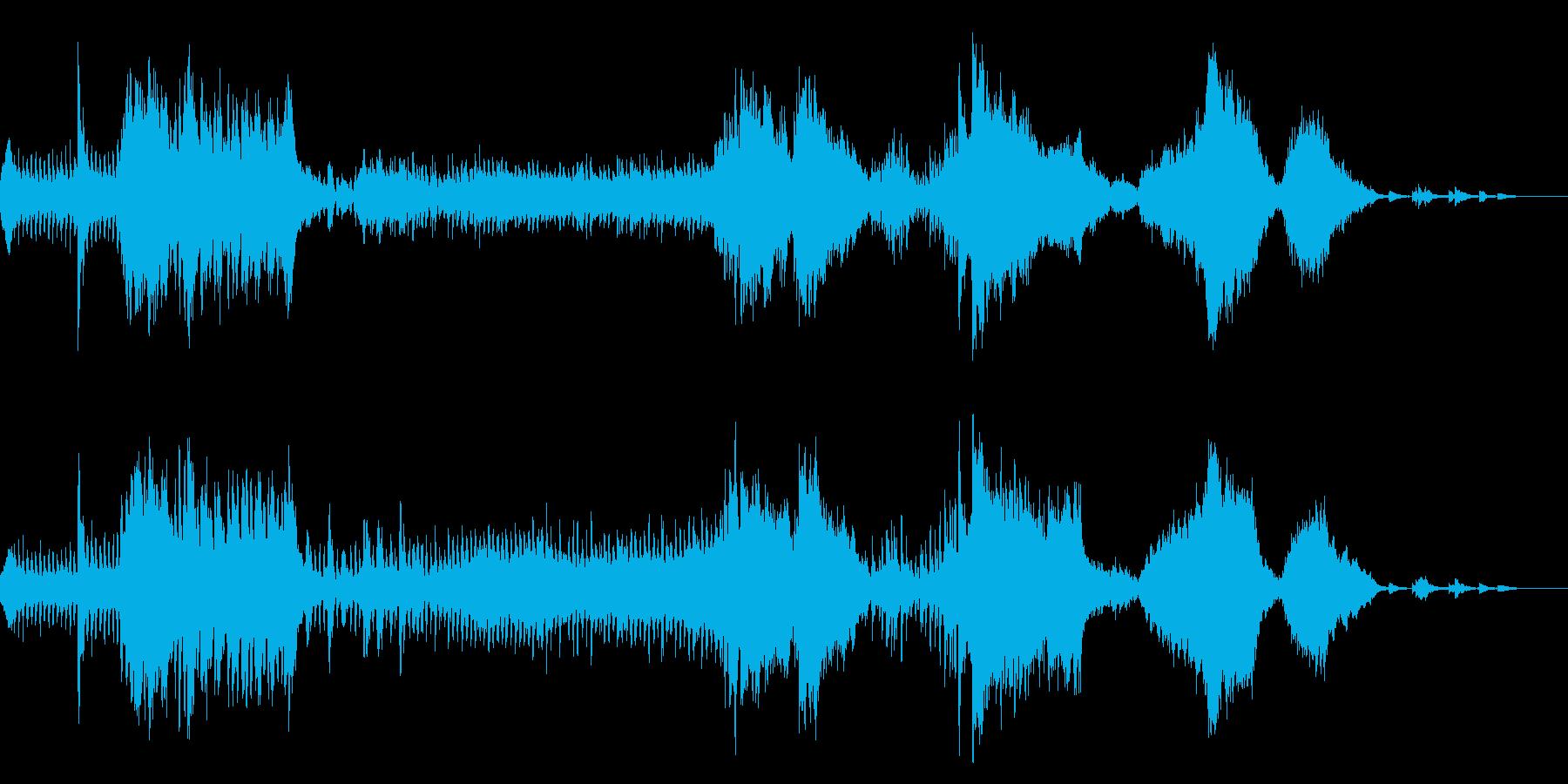 激しく目紛しい展開をするフルオーケストラの再生済みの波形