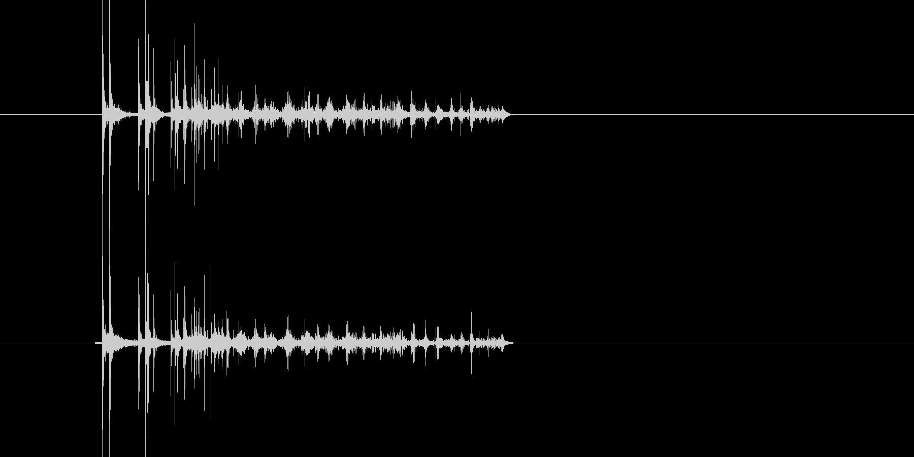 2つのコインが短めに回って静止する音の未再生の波形