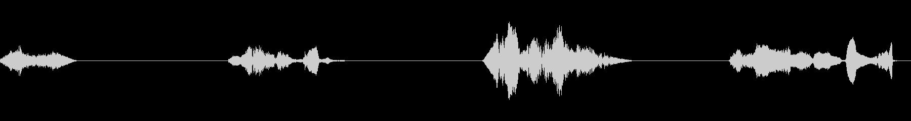 ヒンジきしみ;ヒンジからの4つの遅...の未再生の波形