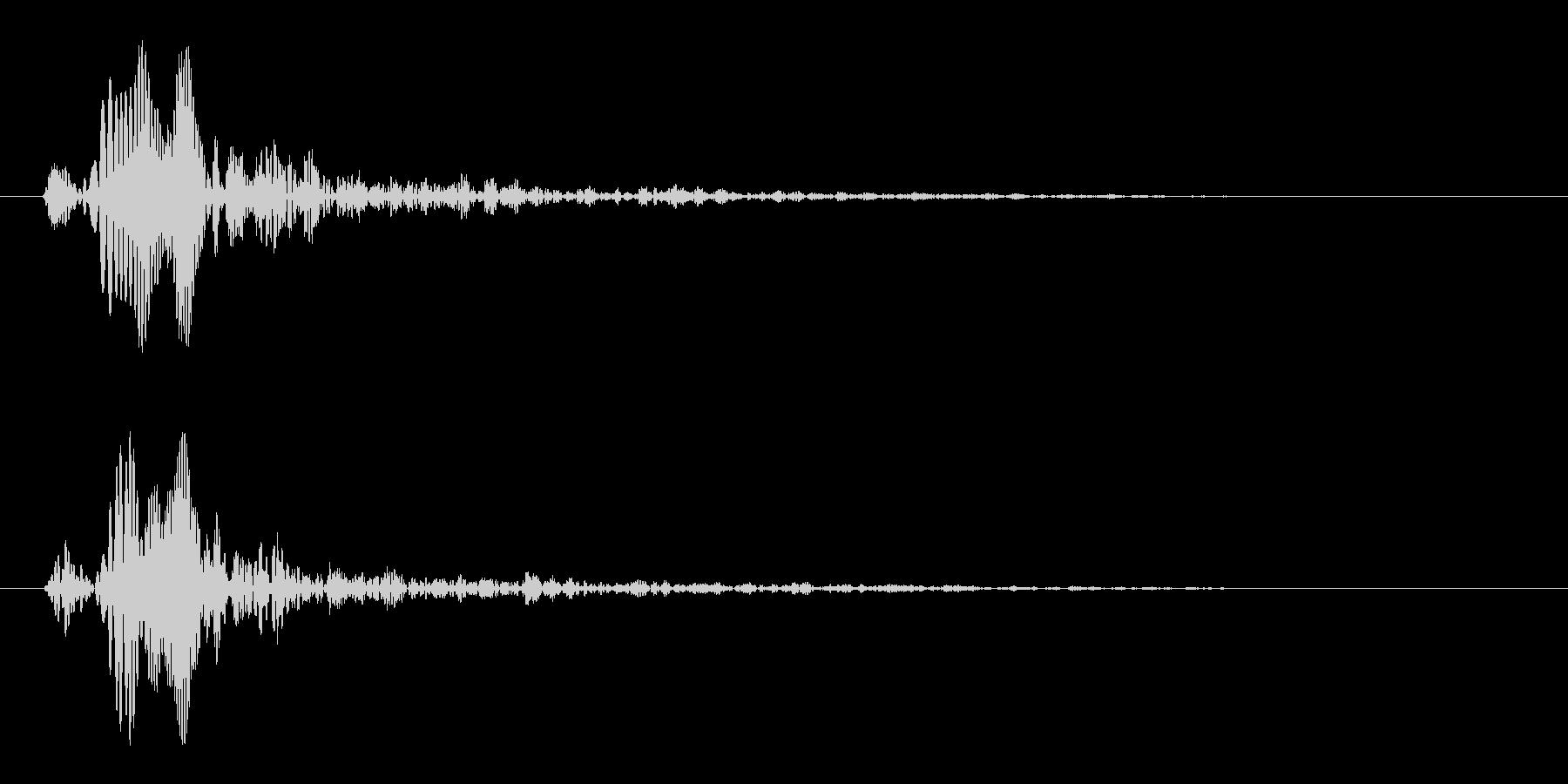 短い滴るような音(ピュッ)の未再生の波形