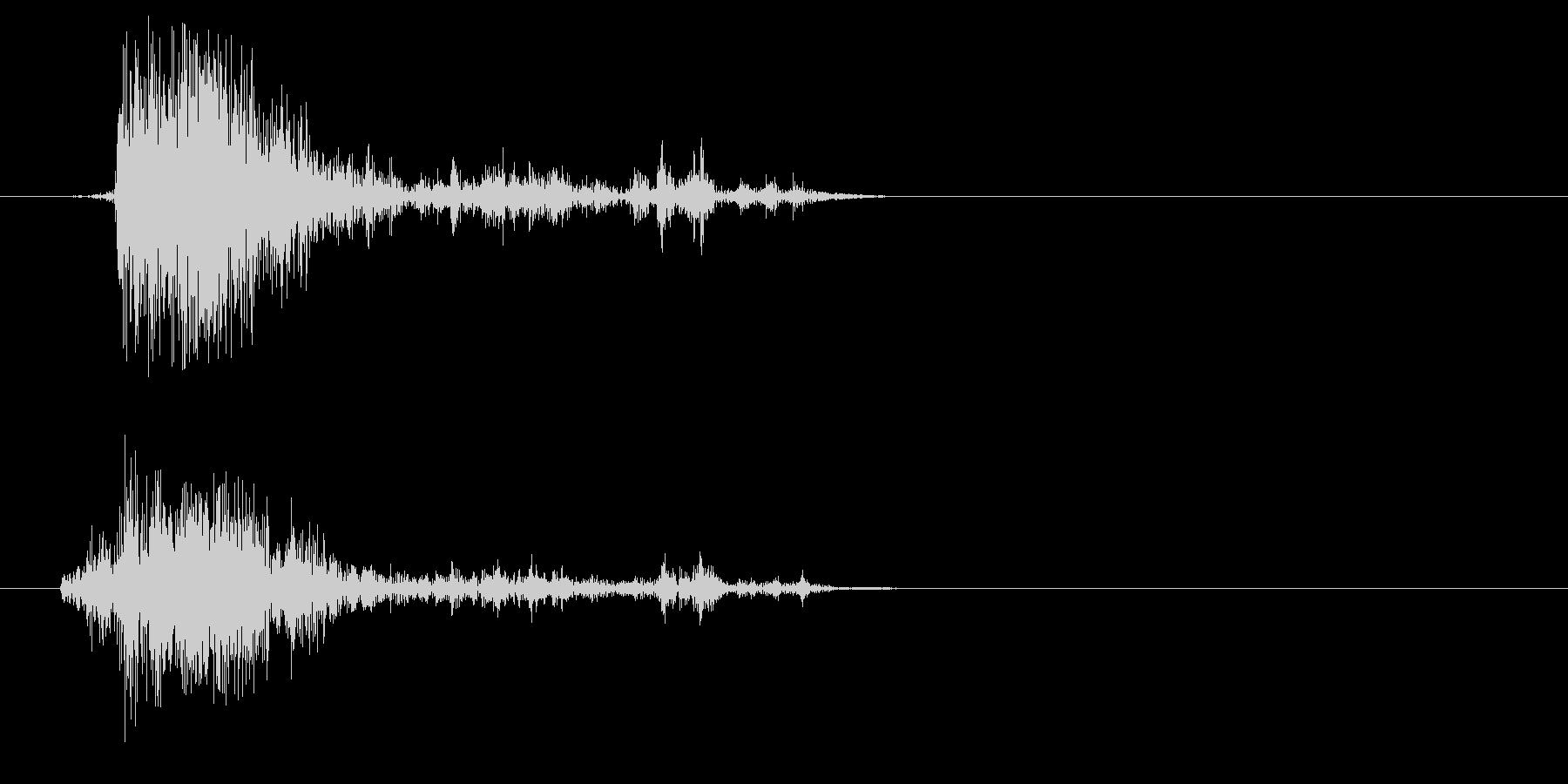 ガシャッ(砂・物音)の未再生の波形