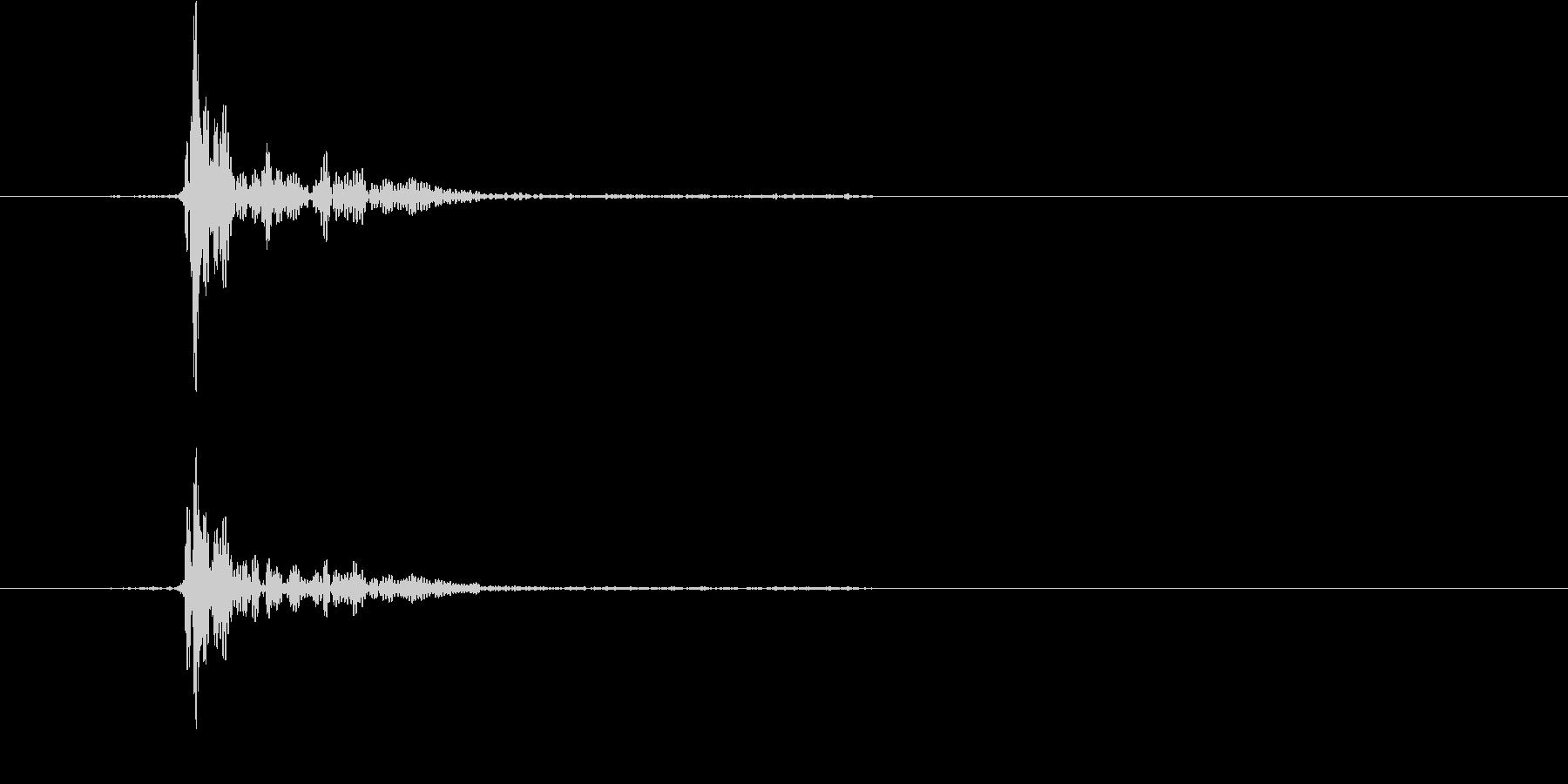 コップをテーブルに置く2の未再生の波形