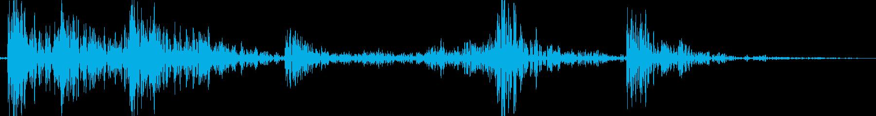 ガタガタガタッ(物を落とした時の音)の再生済みの波形