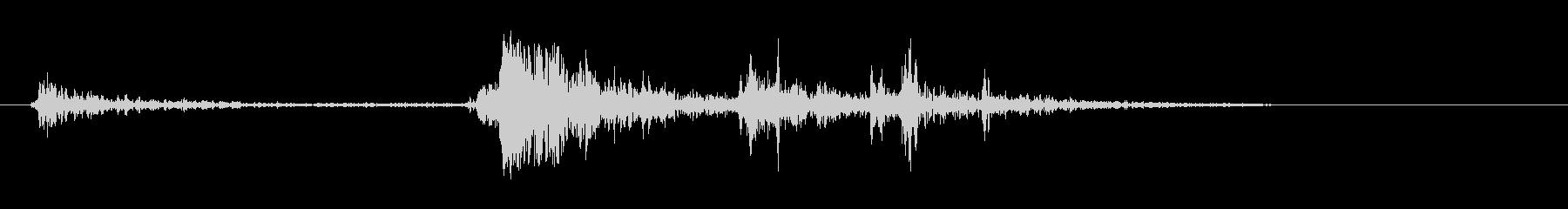 カチャッという高い音の効果音の未再生の波形