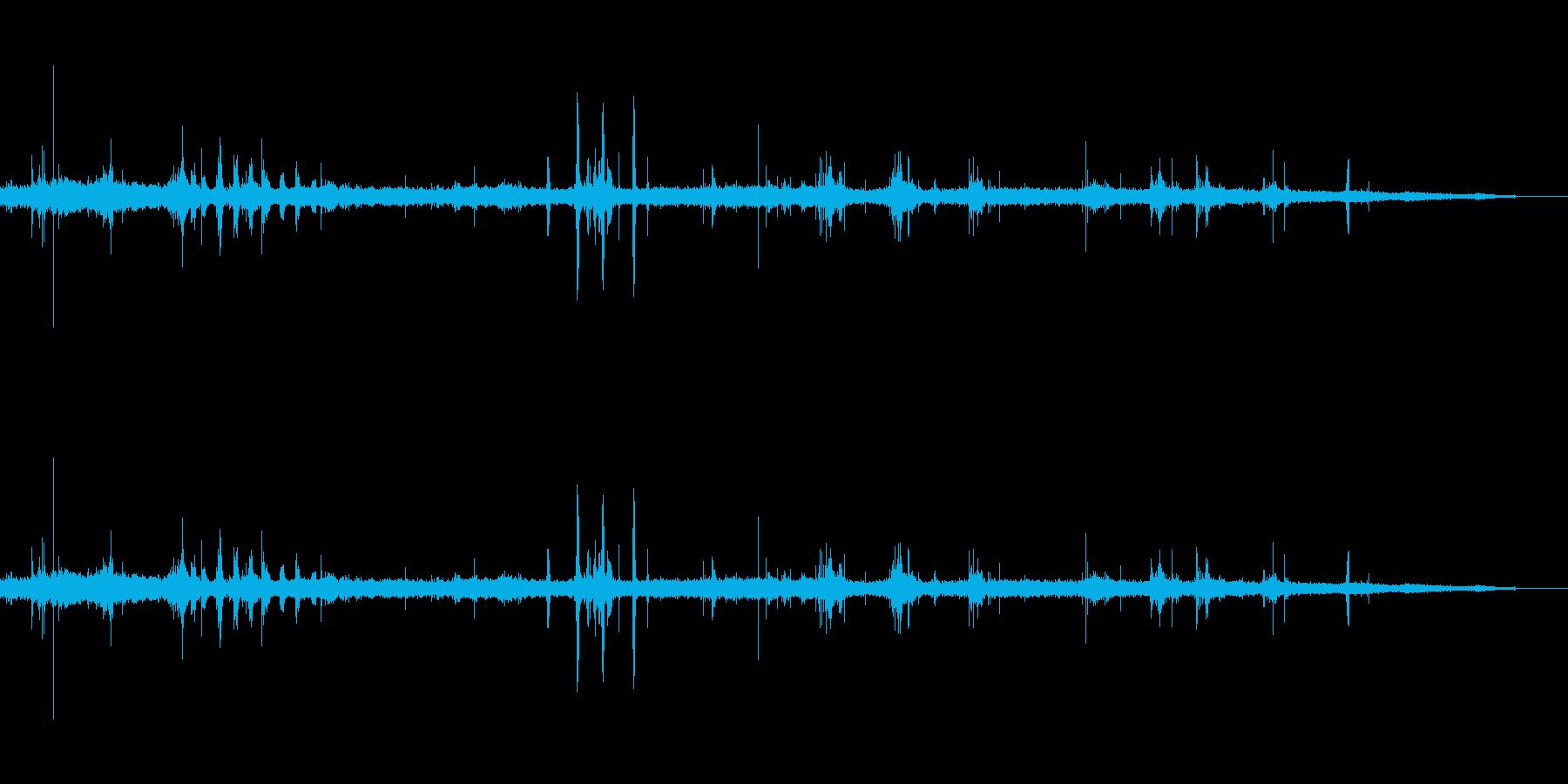 カモメと海の滑らかな波の再生済みの波形