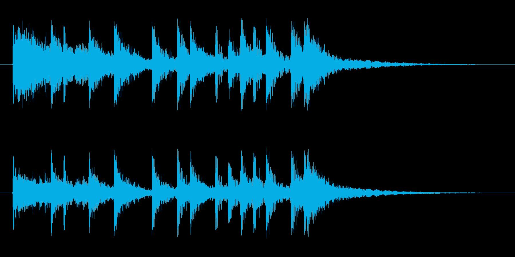 ドタバタと賑やかなロックドラムのジングルの再生済みの波形