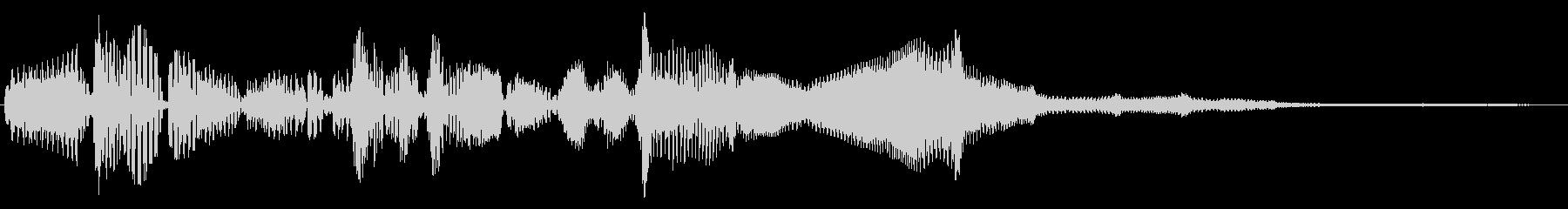 重い物を回しているような音の未再生の波形