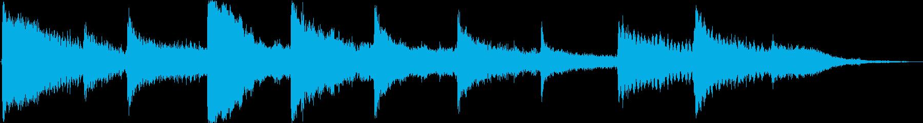 ドラマチックなピアノ弦張力アクセントの再生済みの波形