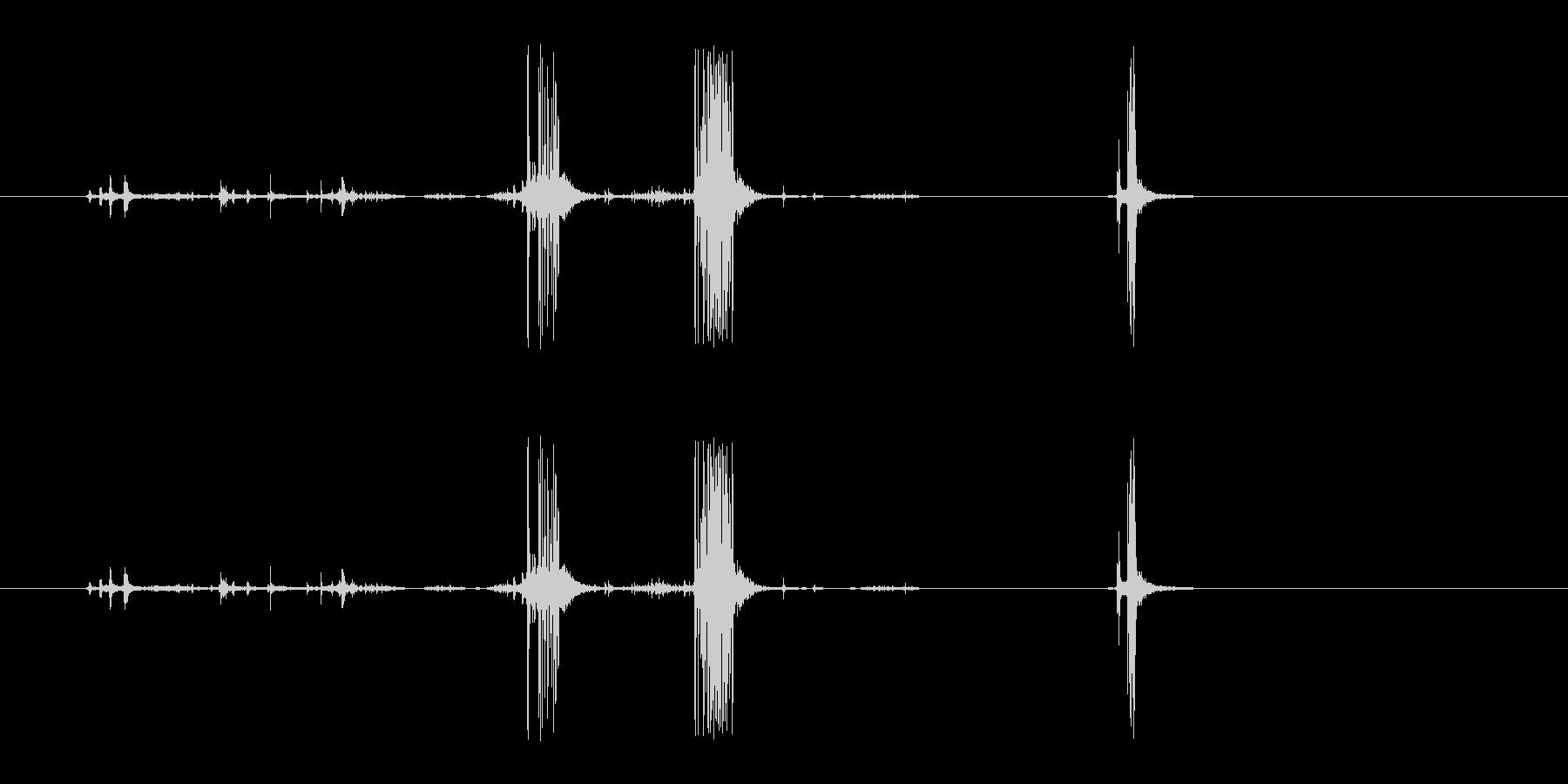 セロテープを使うときの音の未再生の波形