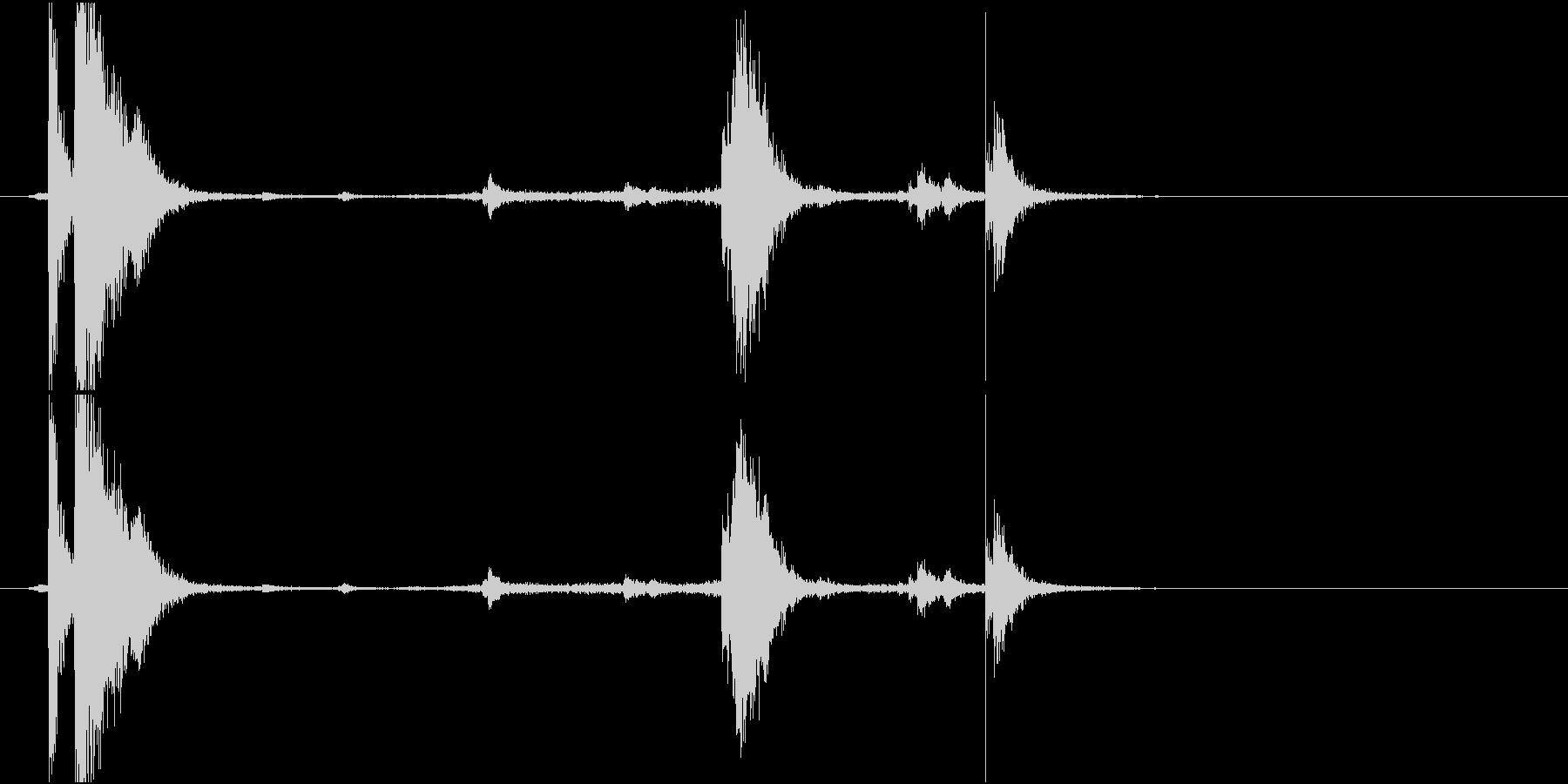 【生録音】 魚焼きグリルをせり出す音の未再生の波形