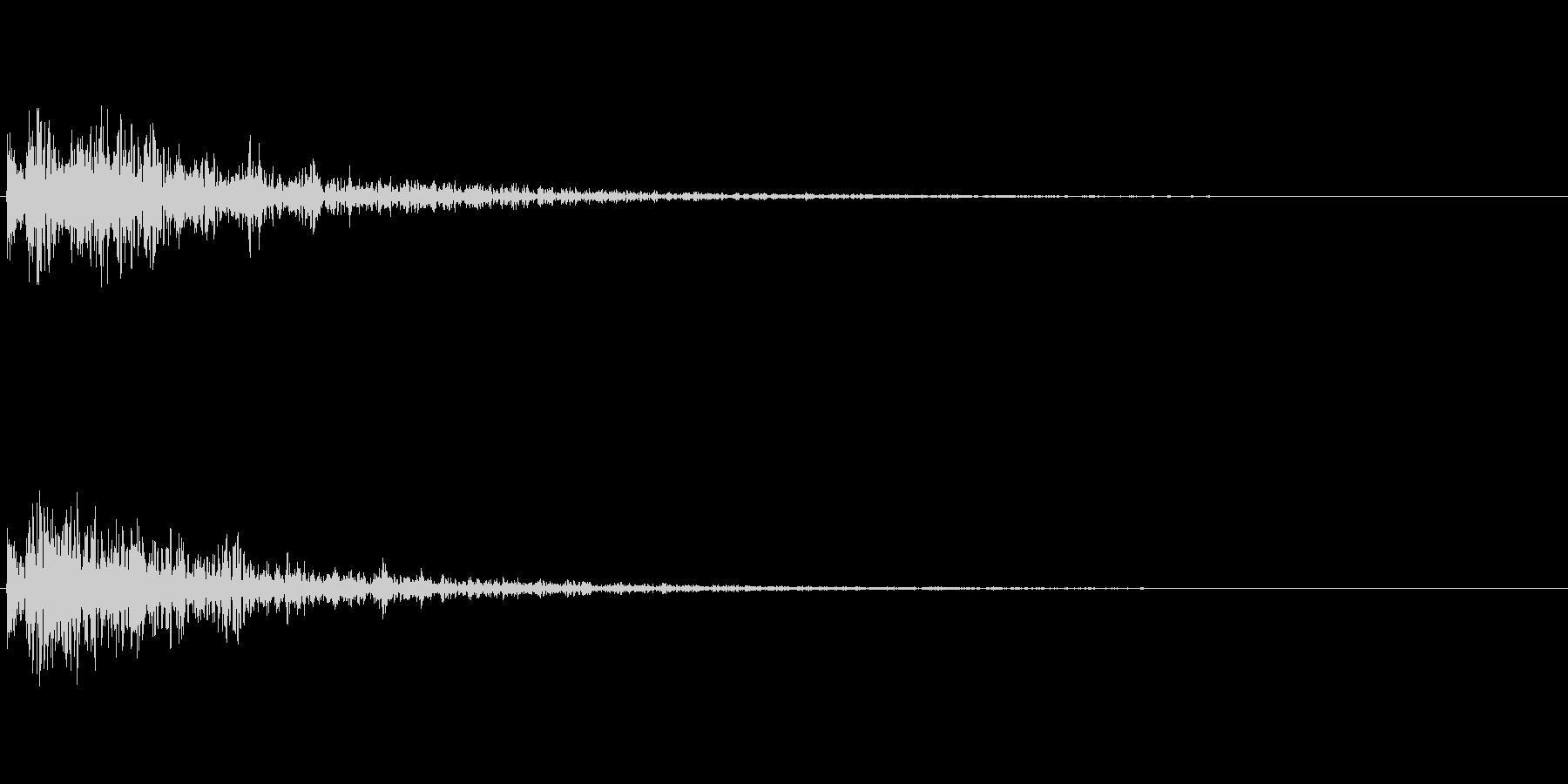 ドーン!(アニメなどの決めの音/衝撃音)の未再生の波形