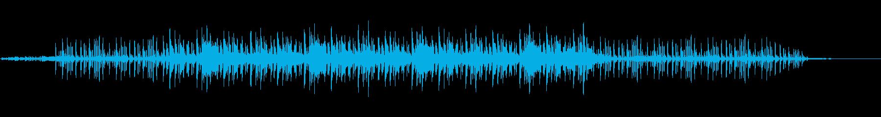 怪しさ漂う不思議なリズムの曲の再生済みの波形