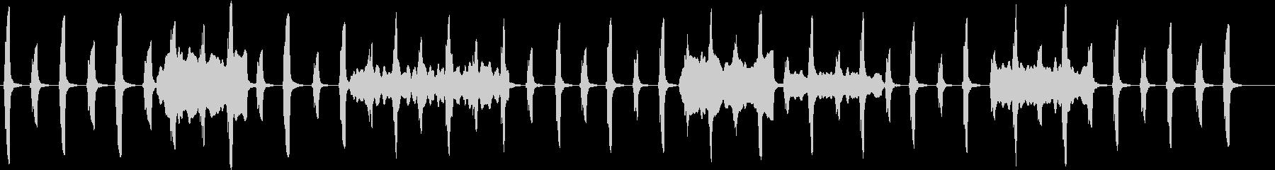 劇伴:低音ホルンがゆっくり一定に刻むの未再生の波形