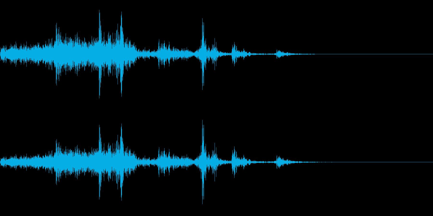ペラ(左から右へページをめくる音)の再生済みの波形