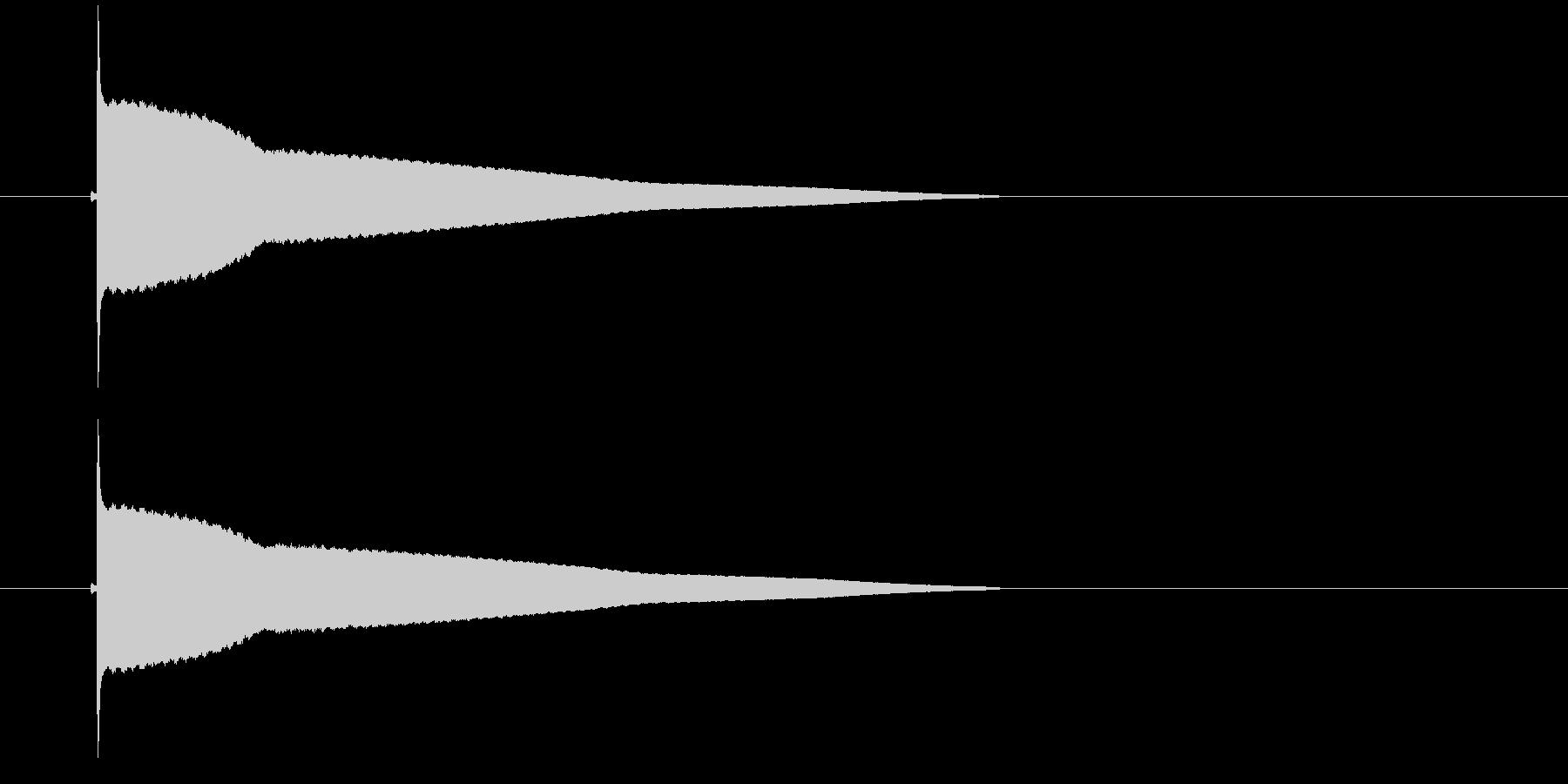 ピィィィィというUFOが浮遊するような音の未再生の波形