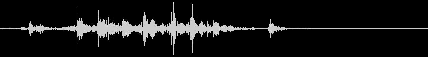 【生録音】装備品の細いチェーンの音の未再生の波形
