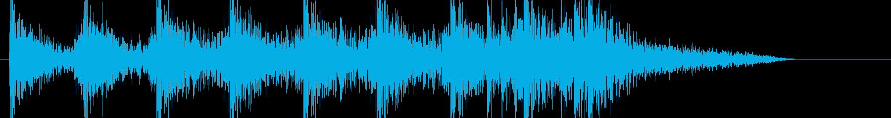 緊張感のあるシネマティックな太鼓BGMの再生済みの波形
