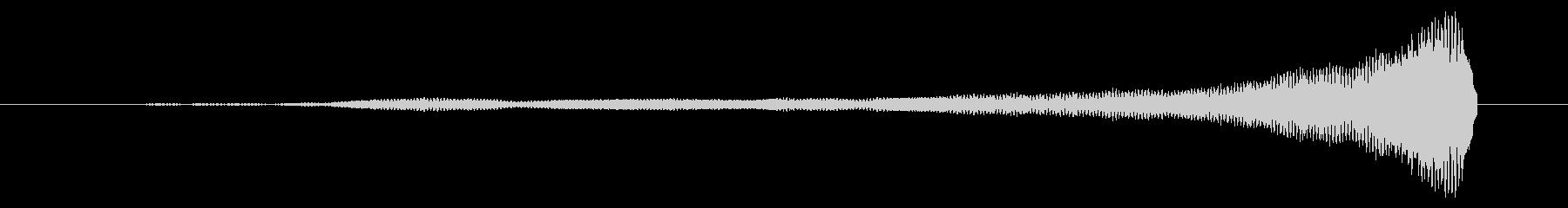 「フィーン」リバースピアノ シリアス の未再生の波形