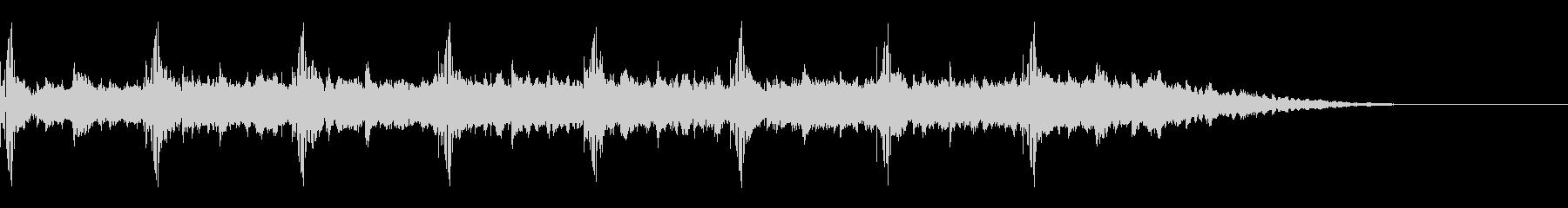 重低音でやや重めのシンキングタイムの未再生の波形
