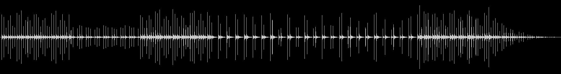 ウッドブロックソロで雨もり、洞窟の未再生の波形