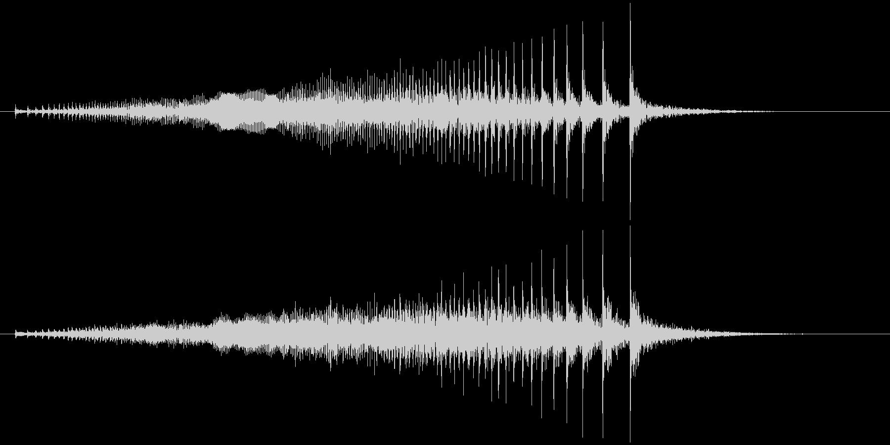 軋む(床など) キィゥッの未再生の波形