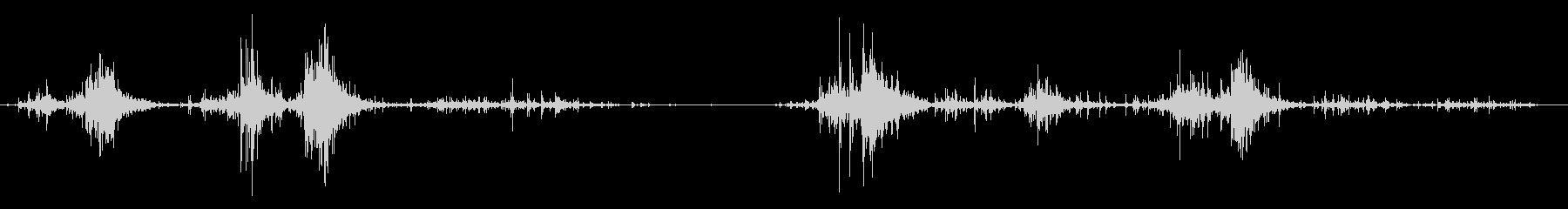 タブレッド菓子出す音・振る音16の未再生の波形