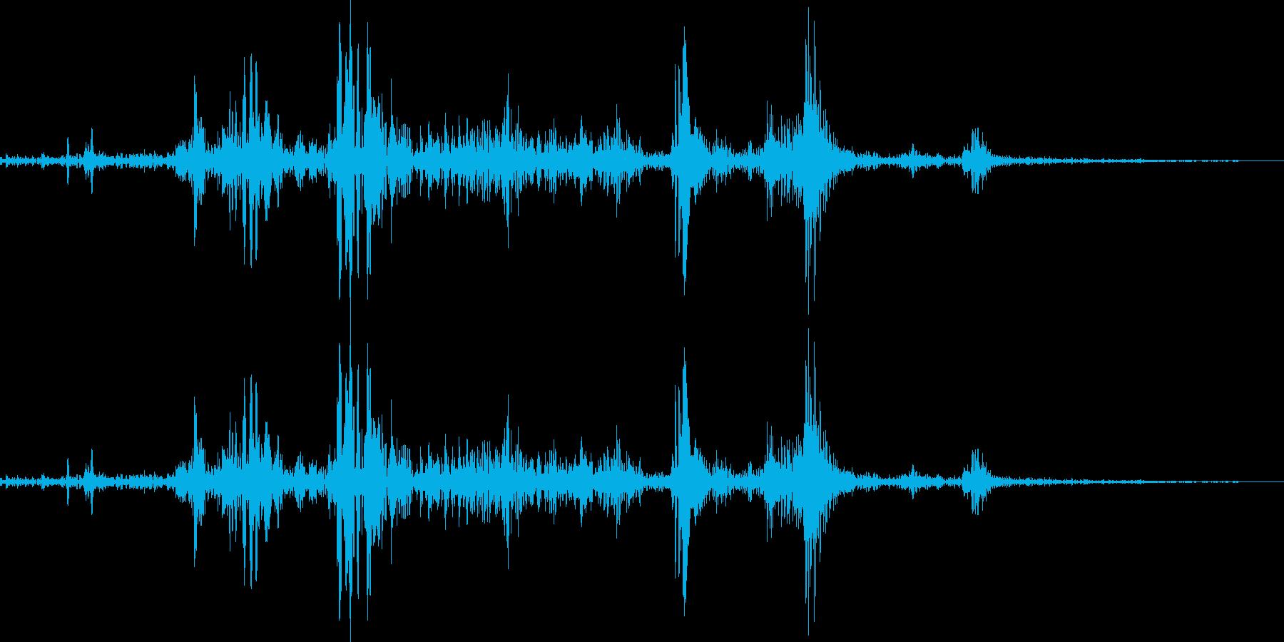 血やぐちょぐちょを踏んだ時の音 の再生済みの波形